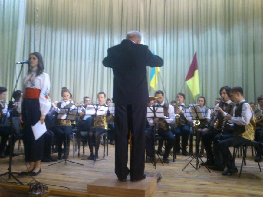 В Днепродзержинске состоялся благотворительный концерт «А рядом война», фото-4