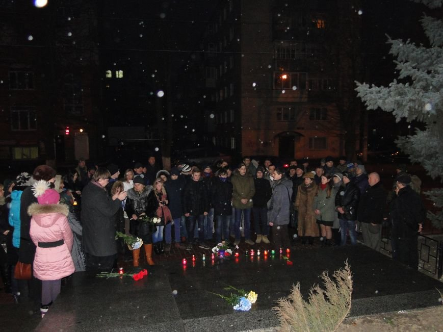 Хмельничани вшанували пам'ять Дмитра Пагора та Людмили Шеремет (фото) - фото 1