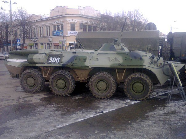 В центре Симферополя выставили военную технику (+ ФОТО) (фото) - фото 2