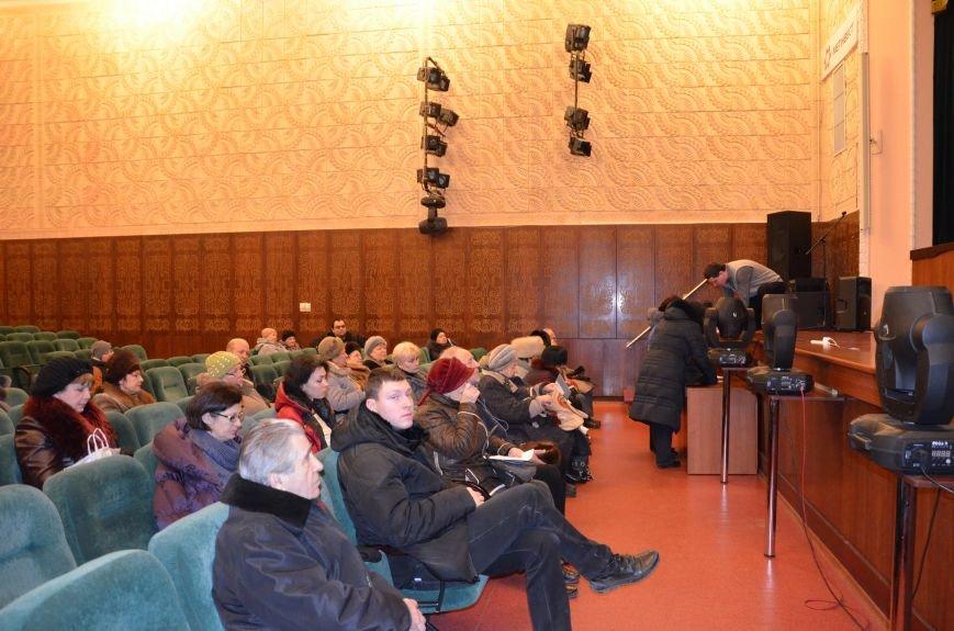 В Мариуполе спасатели учили представителей ОСМД и ЖСК спасаться от артобстрела (ФОТО), фото-2