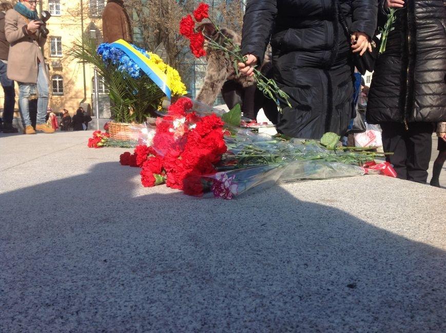 В Харькове почтили память Героев Небесной Сотни (ФОТО), фото-9