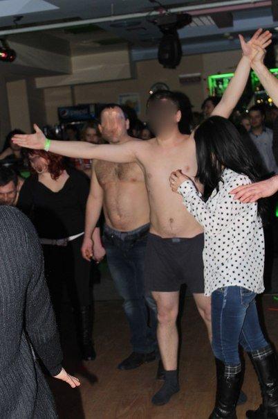 На День влюбленных в Краматорске танцева стриптиз (ФОТО) (фото) - фото 1