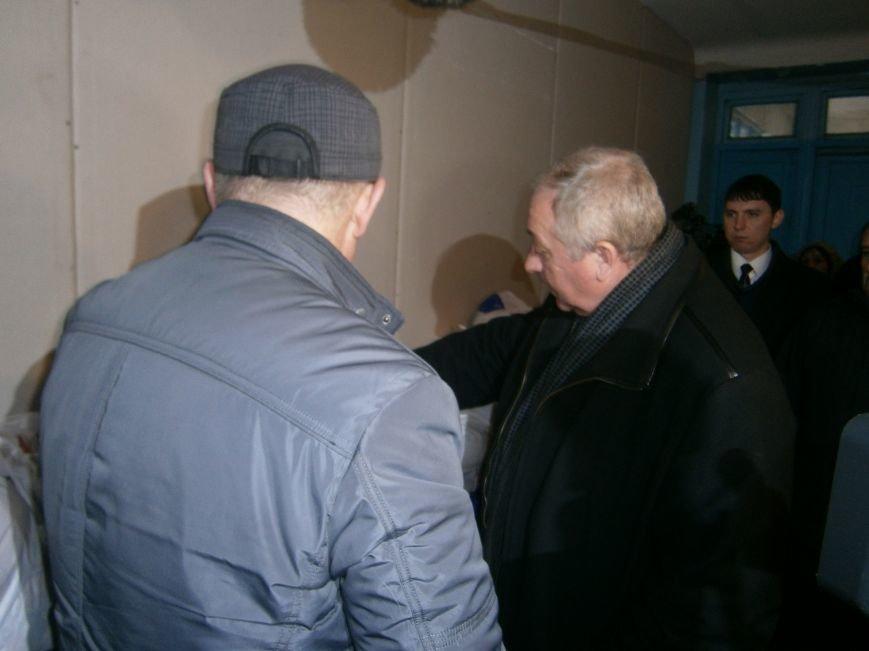 Губернатор области посетил центр размещения переселенцев в Добропольском районе (ФОТОРЕПОРТАЖ) (фото) - фото 5