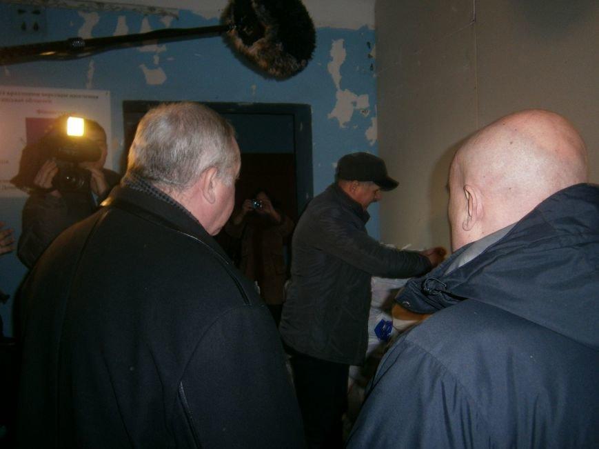 Губернатор области посетил центр размещения переселенцев в Добропольском районе (ФОТОРЕПОРТАЖ) (фото) - фото 4