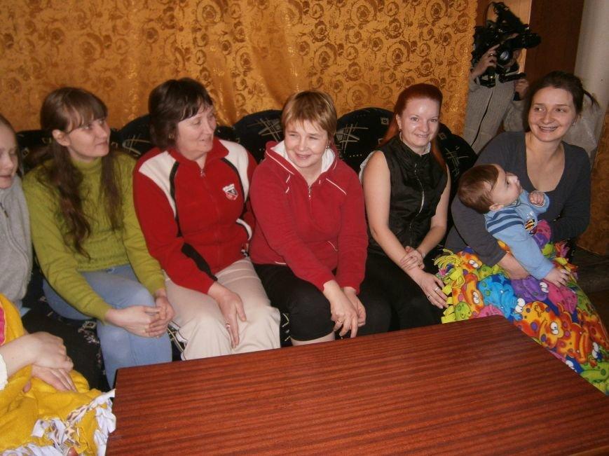 Губернатор области посетил центр размещения переселенцев в Добропольском районе (ФОТОРЕПОРТАЖ) (фото) - фото 13