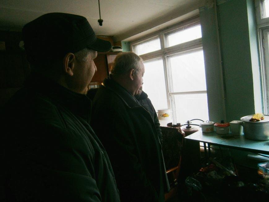 Губернатор области посетил центр размещения переселенцев в Добропольском районе (ФОТОРЕПОРТАЖ) (фото) - фото 16