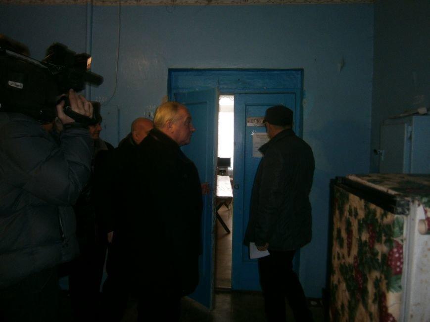 Губернатор области посетил центр размещения переселенцев в Добропольском районе (фото) - фото 8