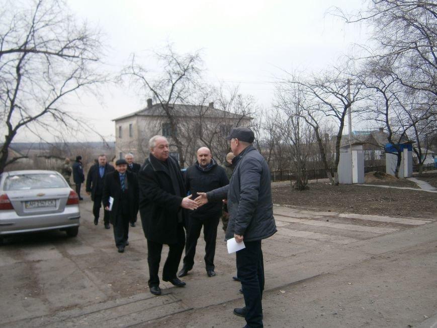 Губернатор области посетил центр размещения переселенцев в Добропольском районе (фото) - фото 1
