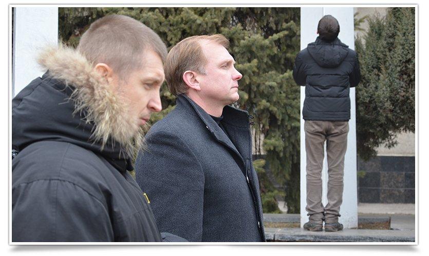 В Славянске прошёл митинг – реквием, посвящённый памяти Небесной Сотне (фото) - фото 1