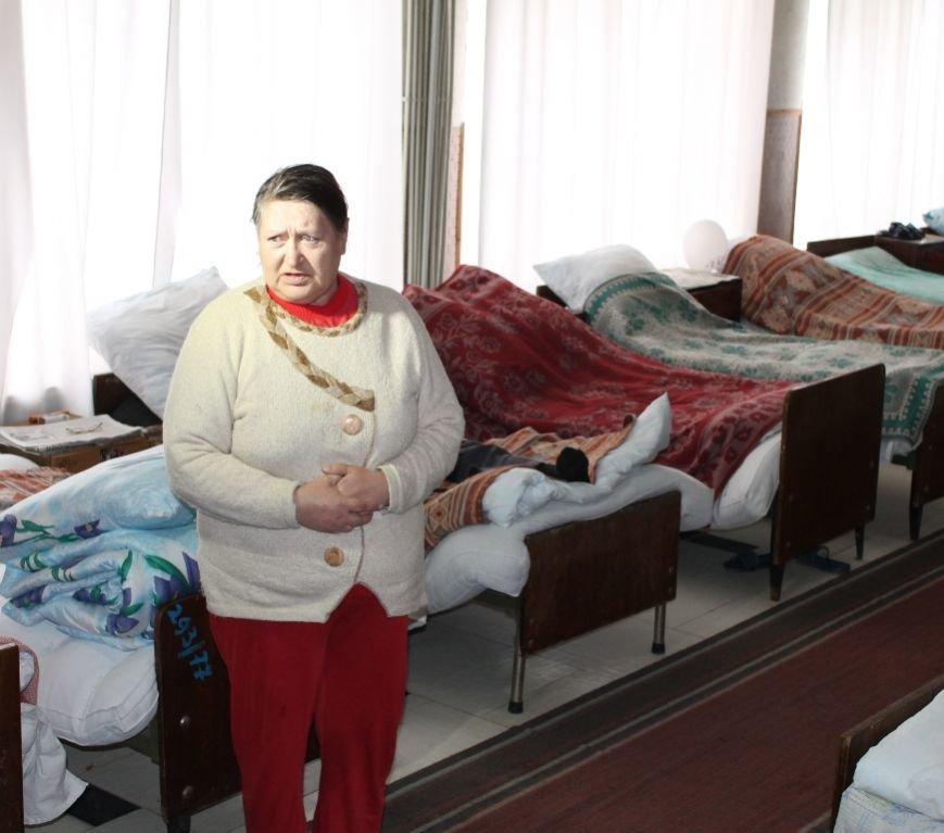 В Артемовске для общежития, где проживают переселенцы, привезли посуду и кухонную утварь, фото-2