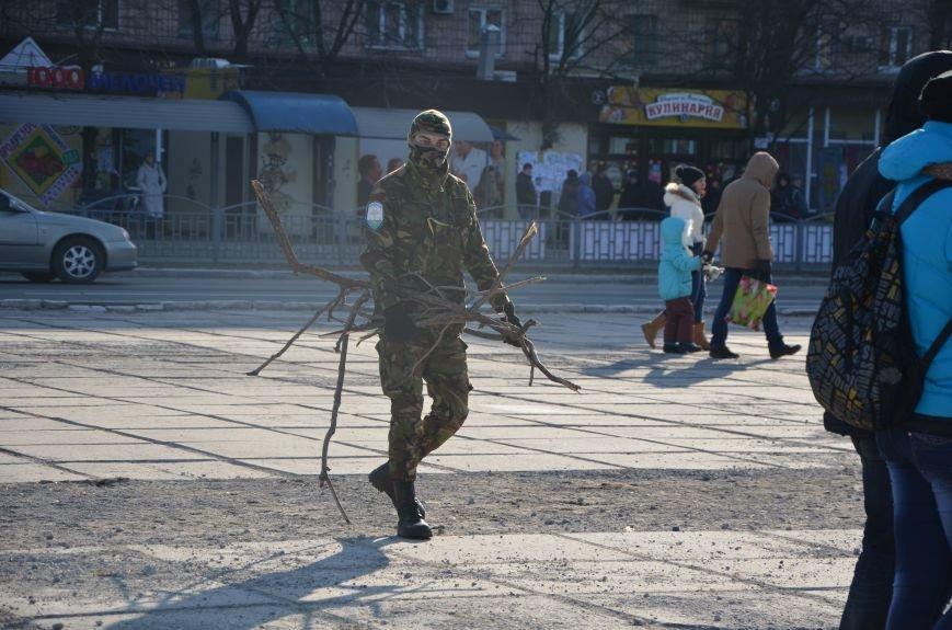 В Мариуполе устроили Майдан на площади павшего Ленина (ФОТО), фото-16