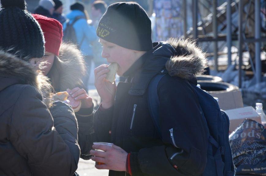 В Мариуполе устроили Майдан на площади павшего Ленина (ФОТО), фото-11