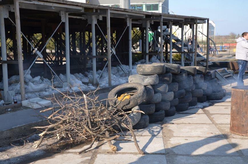 В Мариуполе устроили Майдан на площади павшего Ленина (ФОТО), фото-3