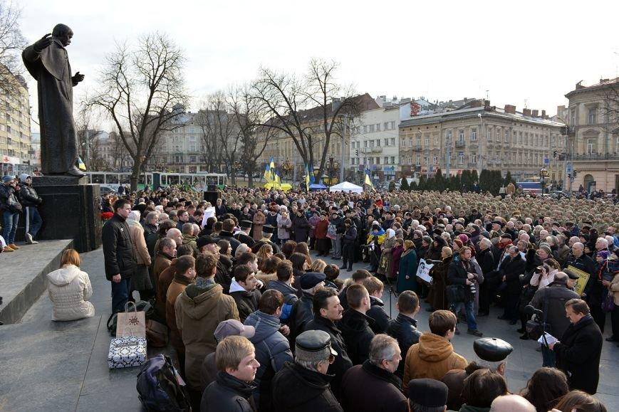 Львів'яни вшанували пам'ять 18 ангелів Небесної сотні та 121 бійця АТО  (ФОТОРЕПОРТАЖ), фото-2