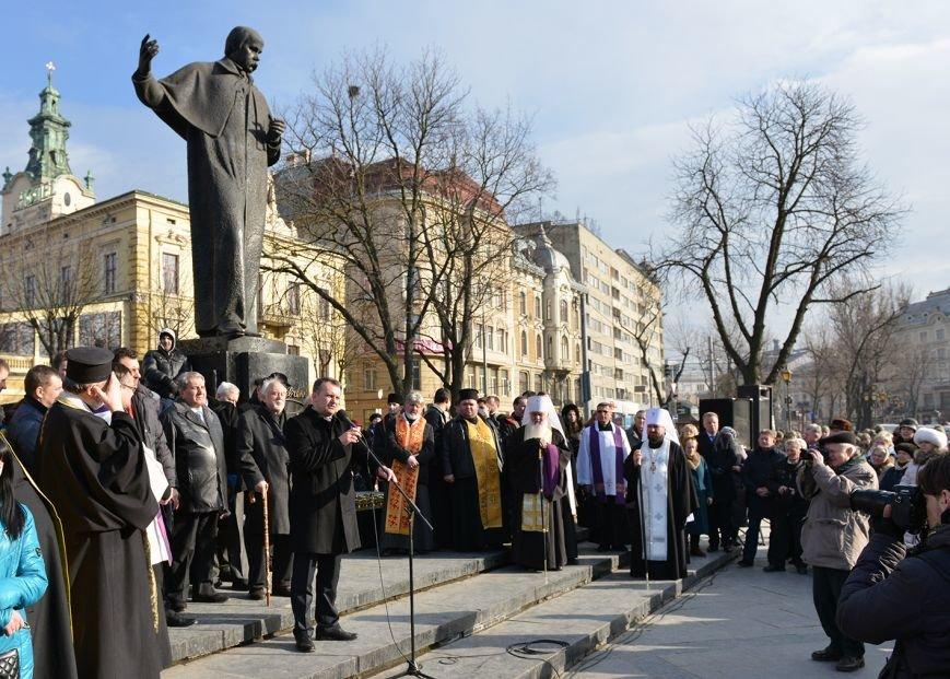 Львів'яни вшанували пам'ять 18 ангелів Небесної сотні та 121 бійця АТО  (ФОТОРЕПОРТАЖ), фото-4