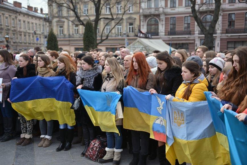 Львів'яни вшанували пам'ять 18 ангелів Небесної сотні та 121 бійця АТО  (ФОТОРЕПОРТАЖ), фото-1