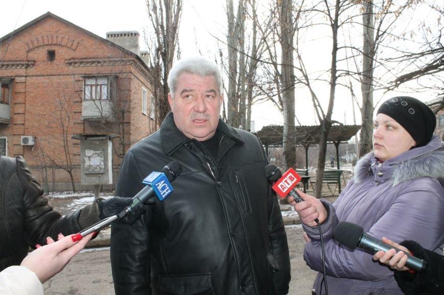 В Артемовске негласный «комендантский час»: после 18:00 магазины закрыты, спиртное – табу, фото-1