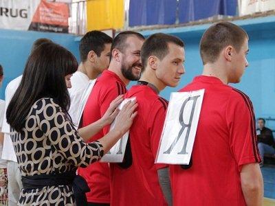 «А ну-ка, парни!»: в Макеевке прошел спортивный праздник (фото) - фото 2
