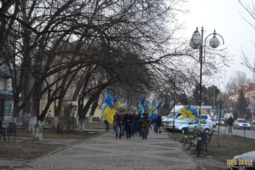 В Ужгороді вшанували героїв Небесної Сотні (ФОТОРЕПОРТАЖ) (фото) - фото 9