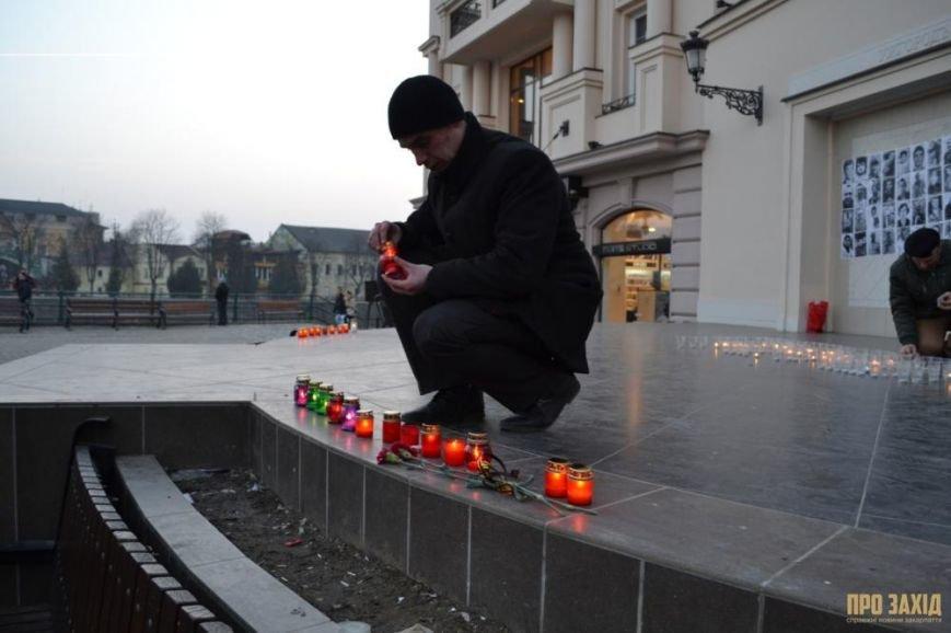 В Ужгороді вшанували героїв Небесної Сотні (ФОТОРЕПОРТАЖ) (фото) - фото 14