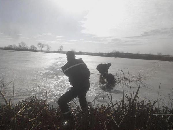 На Львівщині під лід потрапили четверо рибалок, один - загинув (ФОТО), фото-3