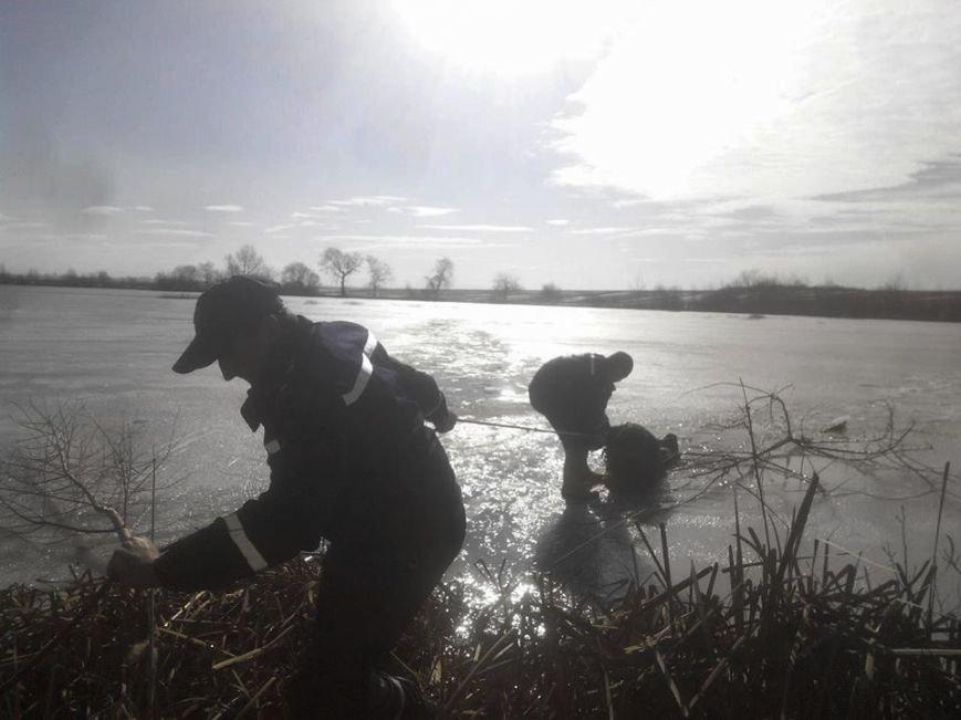 На Львівщині під лід потрапили четверо рибалок, один - загинув (ФОТО), фото-2