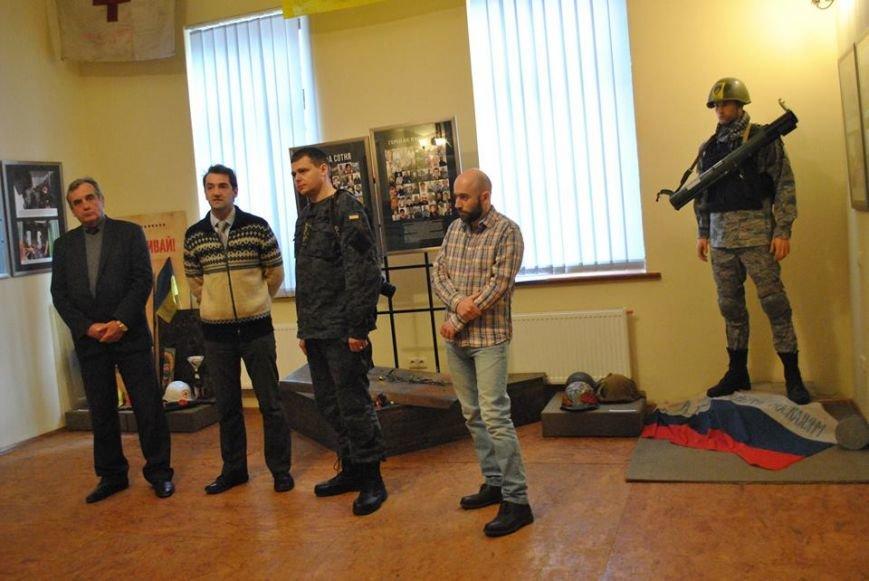 У Львові представили фотовиставку подій Революції Гідності (ФОТОРЕПОРТАЖ), фото-8