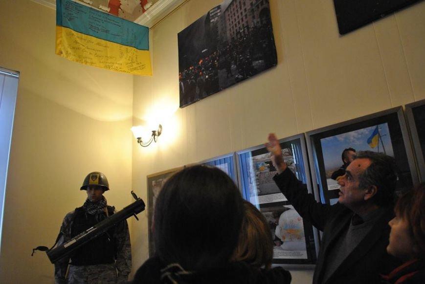 У Львові представили фотовиставку подій Революції Гідності (ФОТОРЕПОРТАЖ), фото-7