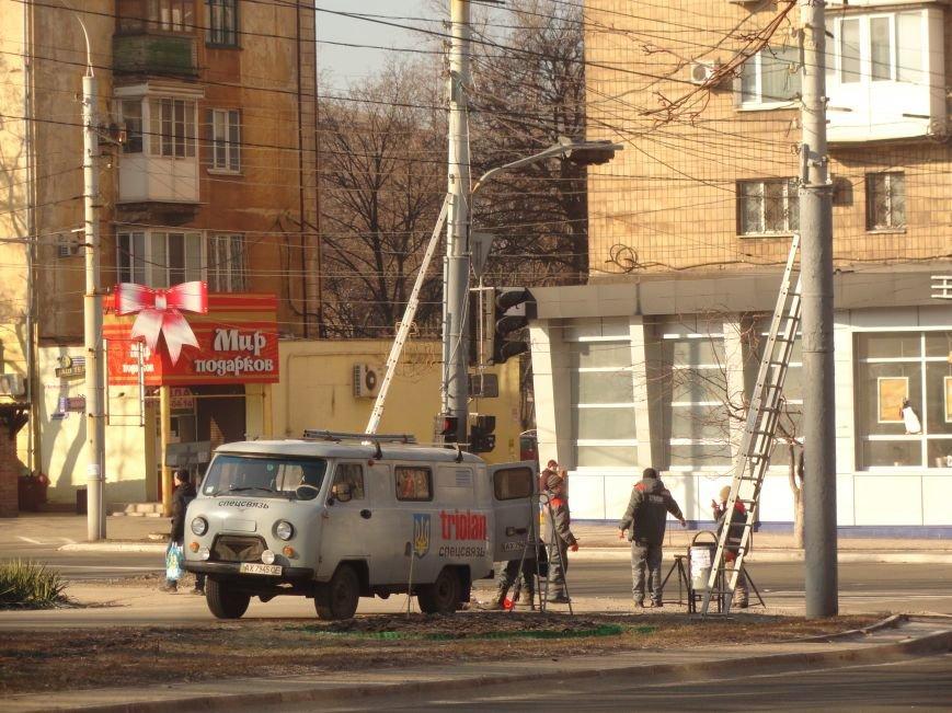 За мариупольцами будет вестись круглосуточное видеонаблюдение (ФОТОФАКТ) (фото) - фото 1