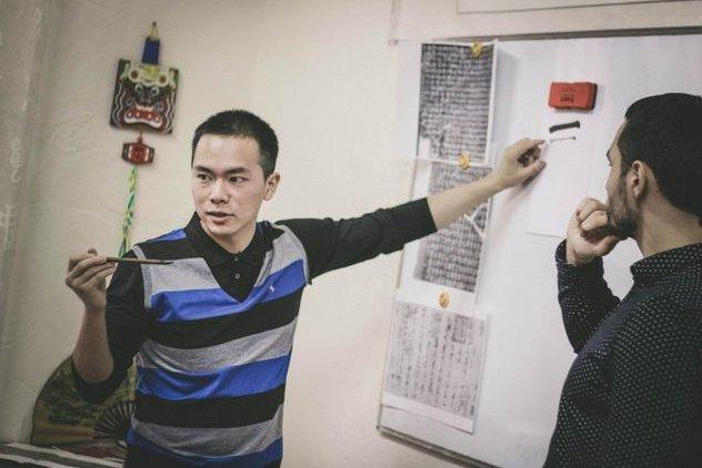 Художник из Китая учит одесситов старинной каллиграфии (ФОТО) (фото) - фото 1