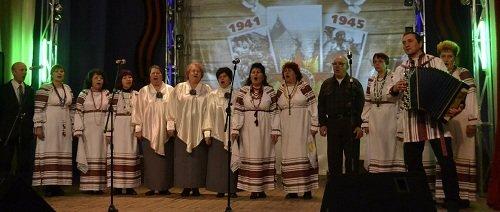 В Макеевке прошел фестиваль патриотической песни (фото) - фото 2