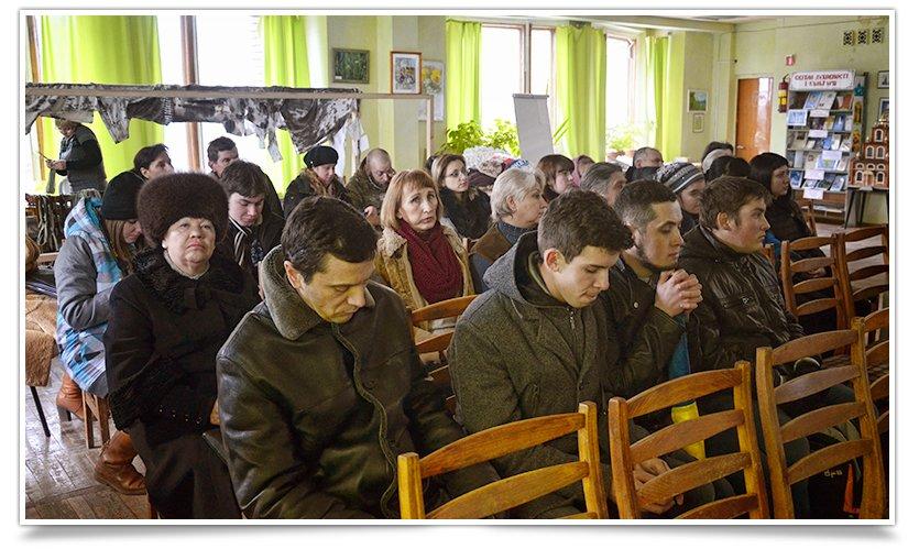 В Центральной библиотеке Славянска прошла встреча с участниками Майдана (фото) - фото 5