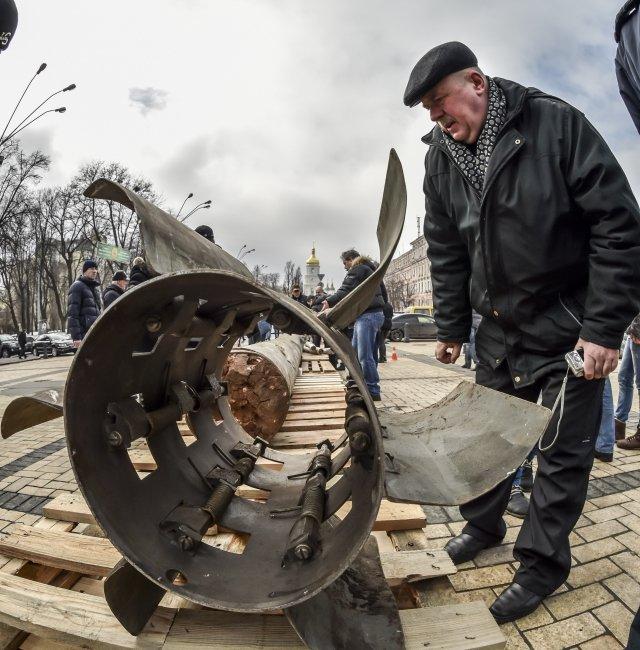 Обломки Смерча из Краматорска представили на документальной выставке в Киеве (фото) - фото 3