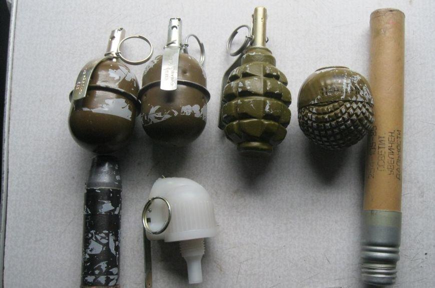 У львівському потязі знайшли тайник з гранатами (ФОТОРЕПОРТАЖ), фото-4