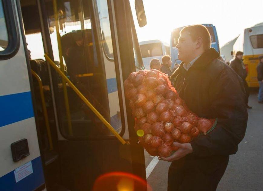 Закарпаття відправило автобуси за військовими 128-ї бригади (ФОТО), фото-4