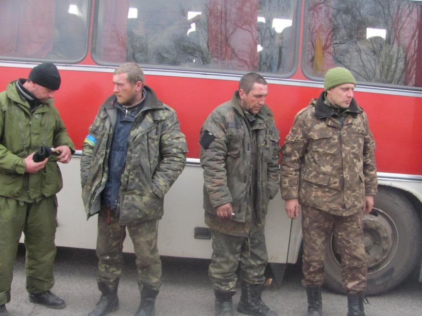 «Спасибо, что живы! Мы помним Иловайск» - криворожане встречали своих героев (ФОТО), фото-19