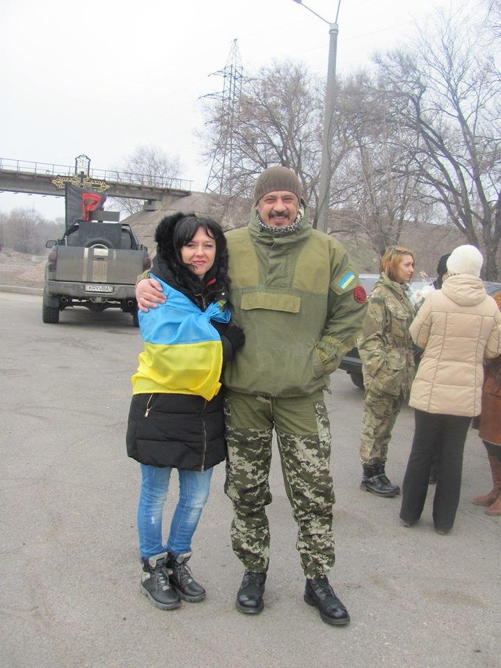«Спасибо, что живы! Мы помним Иловайск» - криворожане встречали своих героев (ФОТО), фото-9