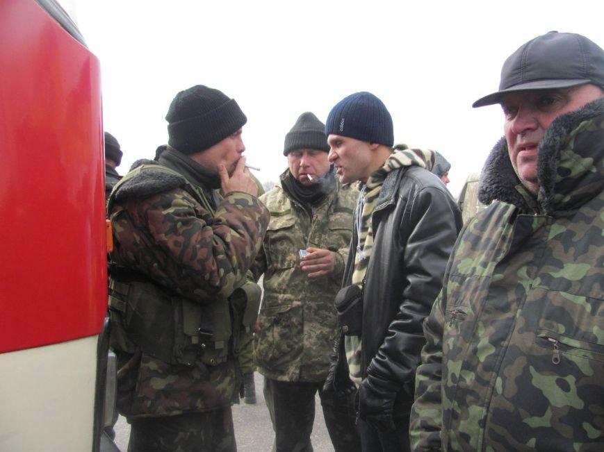 «Спасибо, что живы! Мы помним Иловайск» - криворожане встречали своих героев (ФОТО), фото-16