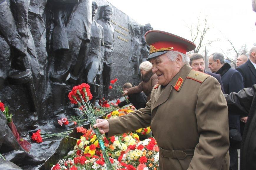 В Кривом Роге: от взрыва в квартире погиб парень, бойцы 40 батальона вернулись из АТО, коммунисты вели антиукраинскую агитацию (фото) - фото 3