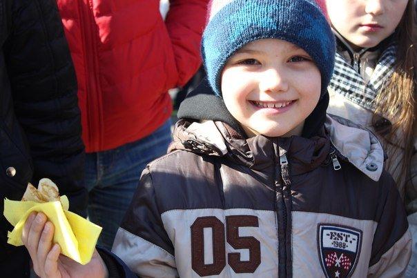 В николаевской «Сказке» детей одаривали блинами (ФОТО) (фото) - фото 4