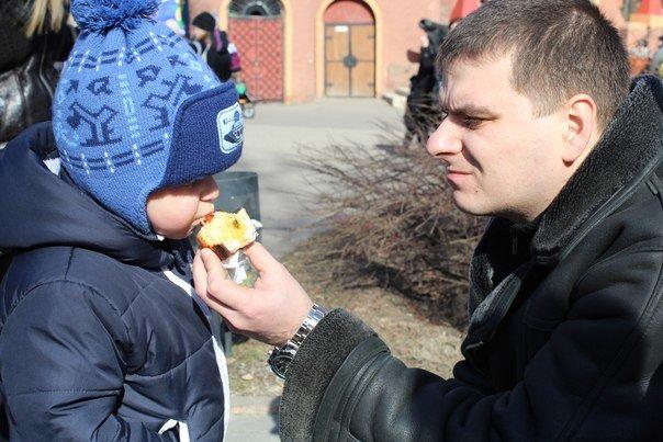 В николаевской «Сказке» детей одаривали блинами (ФОТО) (фото) - фото 2