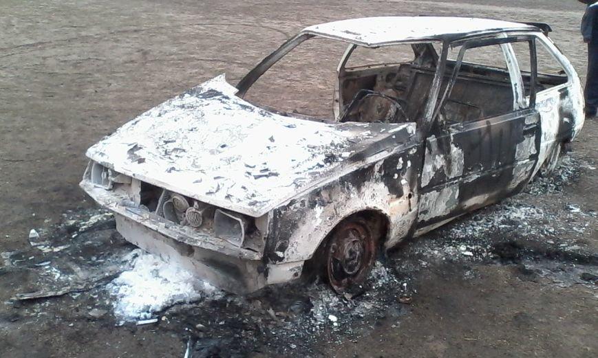 В Днепродзержинске сгорела «Таврия», фото-2