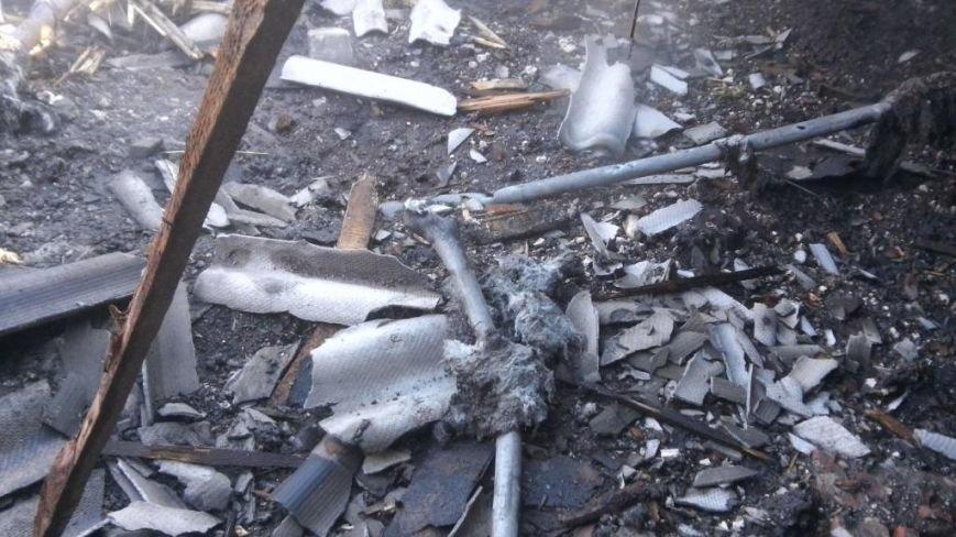 В Авдеевке в результате прямого попадания снаряда  повреждена городская пожарная часть (фото), фото-1