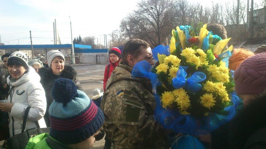 Днепродзержинцы встретили своего героя, фото-5