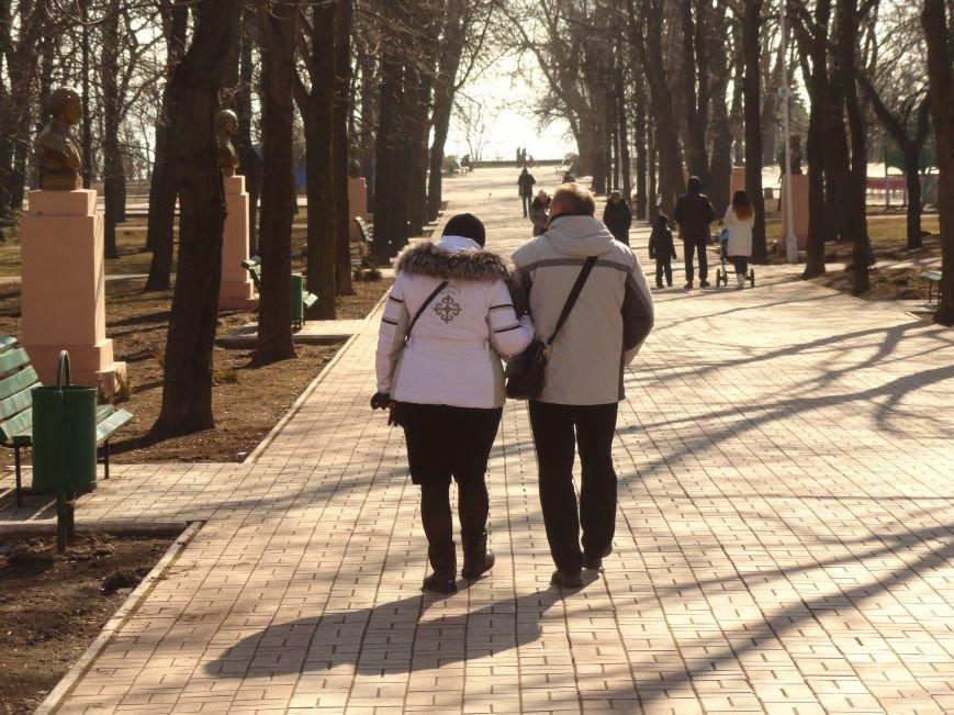 23 февраля в Мариуполе царила весна, несмотря на фронтовую канонаду  (ФОТОПРОЕКТ) (фото) - фото 1