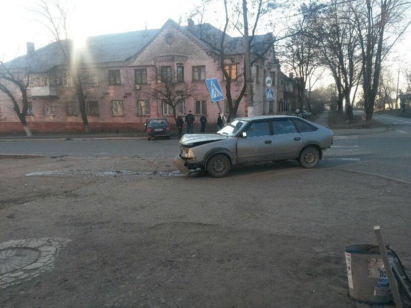 В Мариуполе «Славута» столкнулась с «Москвичом». Пострадал мужчина (ФОТО), фото-4