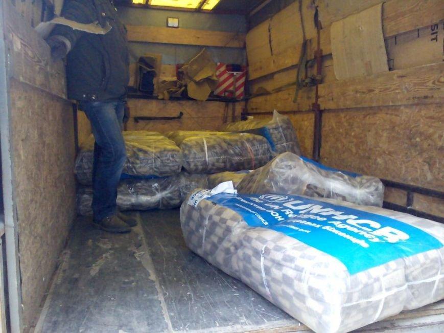 Переселенцы в Донецке и Макеевке получили помощь от УВКБ ООН (фото) - фото 2
