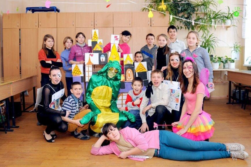 ФОТОРЕПОРТАЖ: В Запорожье волонтеры «AngelS» подарили воспитанникам интерната квест «Алиса чудес» (фото) - фото 4