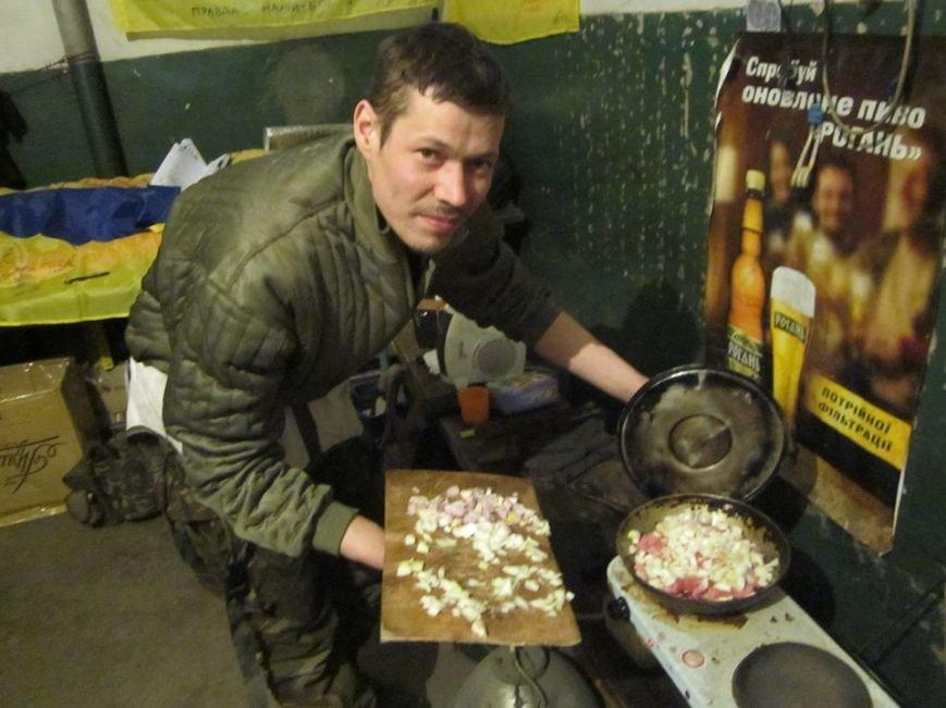 Львівські бійці на передовій отримали торт та салат «Олів'є» від небайдужих людей (ФОТОРЕПОРТАЖ), фото-15