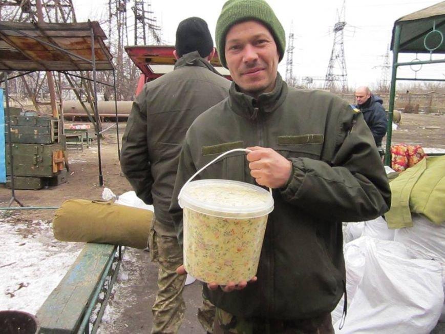 Львівські бійці на передовій отримали торт та салат «Олів'є» від небайдужих людей (ФОТОРЕПОРТАЖ), фото-4